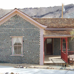 Tom Kelly's Bottle House