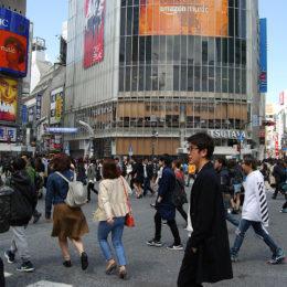Shibuya Crossing, Tokyo Japan | Photography by Jenny S.W. Lee