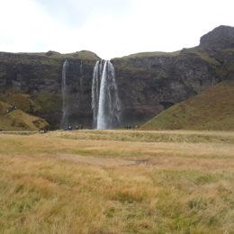 Seljalandsfoss Waterfall, Iceland | Photography by Jenny SW Lee
