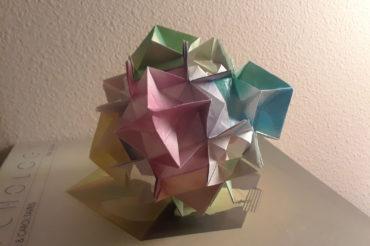 Gaia modular origami   Design by David Mitchell